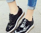 Nauji moteriški batai
