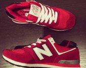 Raudoni new balance