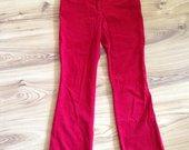 Raudonos velvetinės kelnės