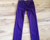 Violetiniai džinsai