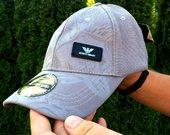 Armani kepurė