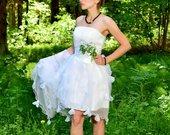 Balta suknelė mergvakariui