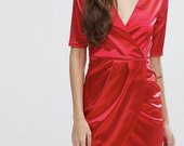 Raudona prabangi suknele