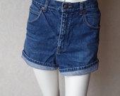 Stilingi vintage džinsiniai šortai vasarai