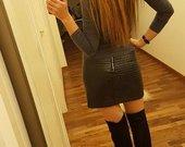 Juodas odinis sijonas