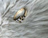Auksinis žiedas su safyrais