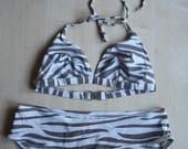zebrinis maudymosi kostiumėlis