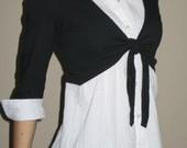 Balti marškinukai + juodas bolero (2in1)