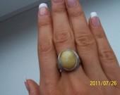 žalvarinis žiedas su didele akute