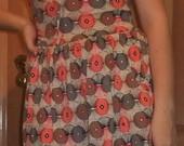 Moteriška suknelė/