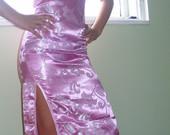 Rausva kiniška suknelė, ilga