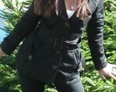 Juodas, pavasarinis paltukas-švarkelis