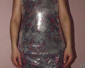 Fantastiška žvyneliais puošta suknutė