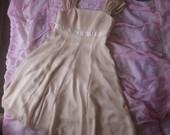 kremine suknele su trumpu svarkeliu