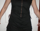 juoda suknute