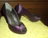 violetiniai batukai