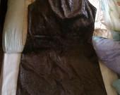 ruda suknele