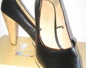 aukštakulniai juodi bateliai