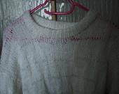 Baltas ilgas megztinis