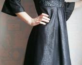 Tamsiai pilka šventinė suknelė