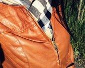 Stradivarius ruda striuke