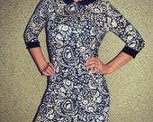 Prabangi raštuota suknelė
