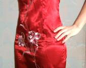 Raudona kiniška suknelė, trumpa