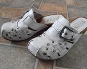 Mustasng batai