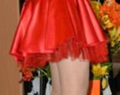 raudona progine suknele