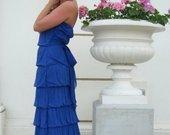 ilga mėlyna suknelė
