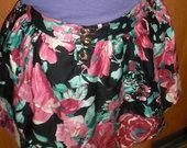 Aukštu liemeniu gėlėtas sijonukas