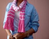 Rožinė dryžuota skarelė