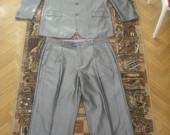 Pilkas kostiumas