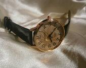 Moteriškas juodas laikrodis