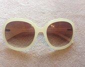 Nauji stilingi akiniai nuo saulės
