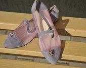 violetiniai bateliai laiveliai