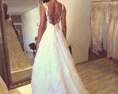 vestuvine suknele su nuometu