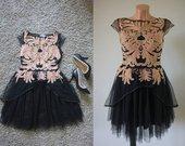 Nuostabi suknele
