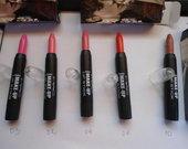 MAC lipstick issukami matiniai lupu dazai