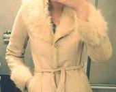 Šiltas zomšinis paltas