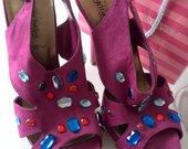 glittering in high heels 39-40d.