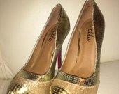 bateliai aukso spalvos