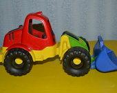 tvirtas traktoriukas
