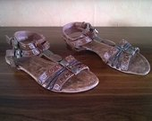 Nauji sandalai