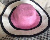 Daili pliažo skrybėlė