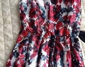 isskirtine ilga suknele