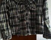 Marškiniai langeliais su sagomis