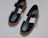 Natūralios odos juodi sandalai