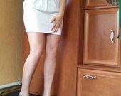 balta suknyte