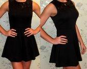 Nauja juoda suknelė